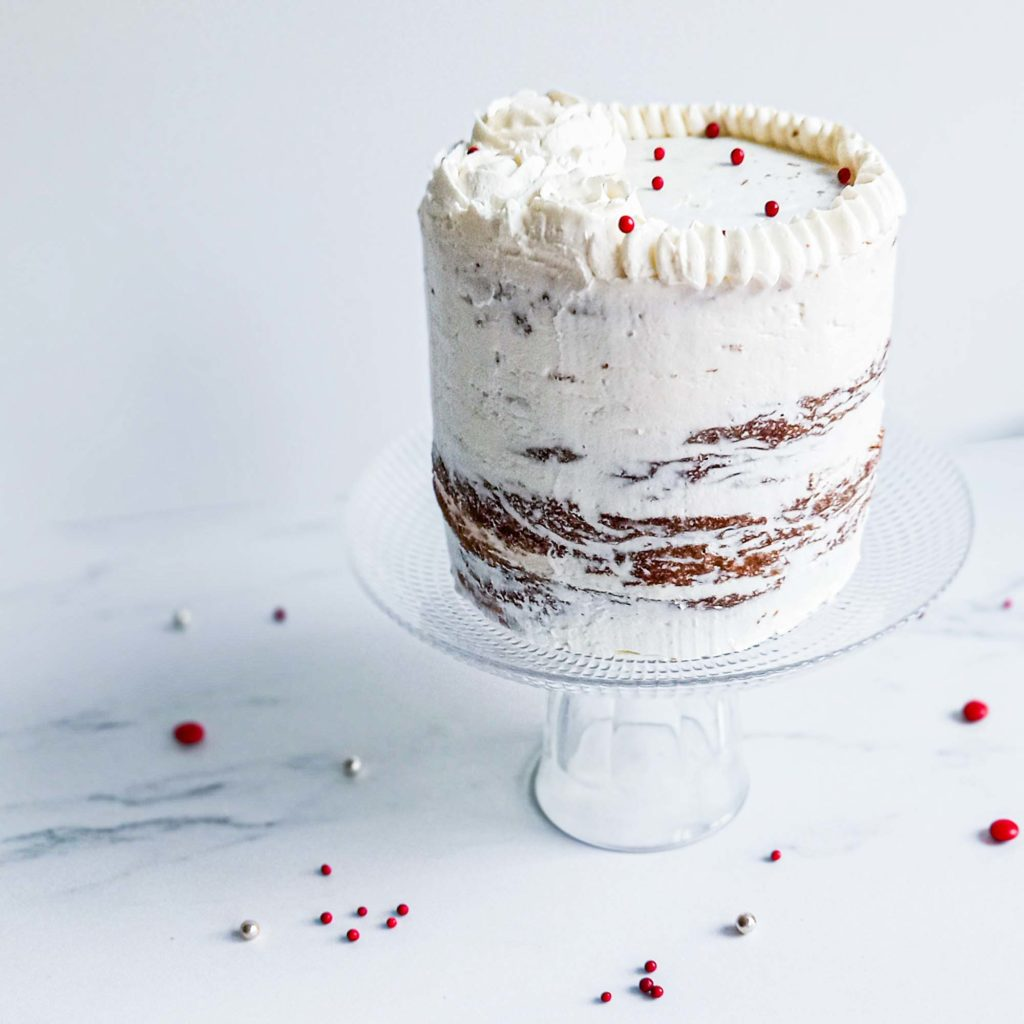 carrot cake nakedcake - sur présentoir - patisse et malice