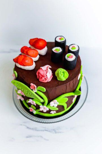 gateau d'anniversaire sushi - patisse et malice