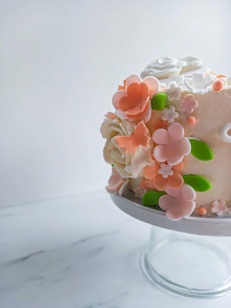 layercake fleuri baby shower zoom - patisse et malice