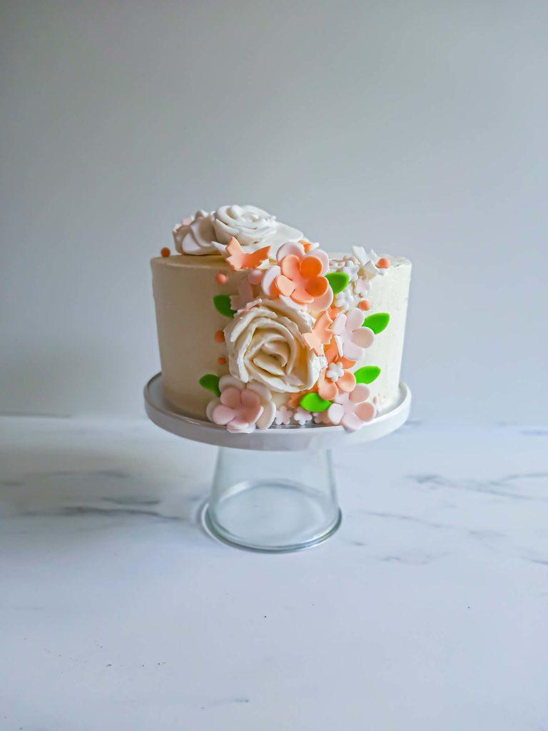 layercake fleuri mariage - patisse et malice