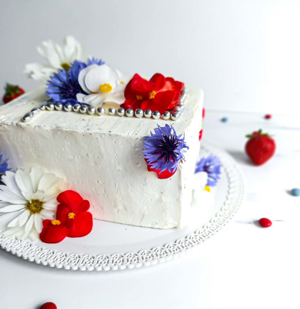 Layercake fleurs comestibles - patisse et malice