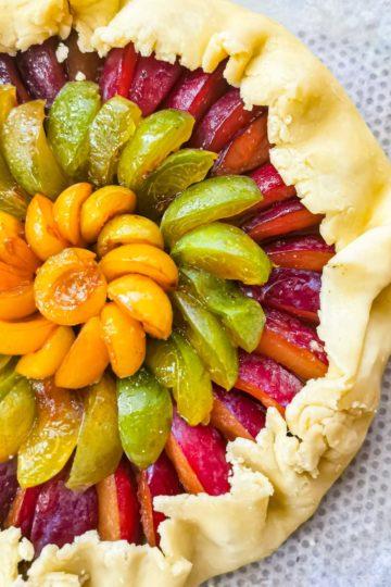 tarte rustique prunes - façonnage tarte maison - patisse et malice