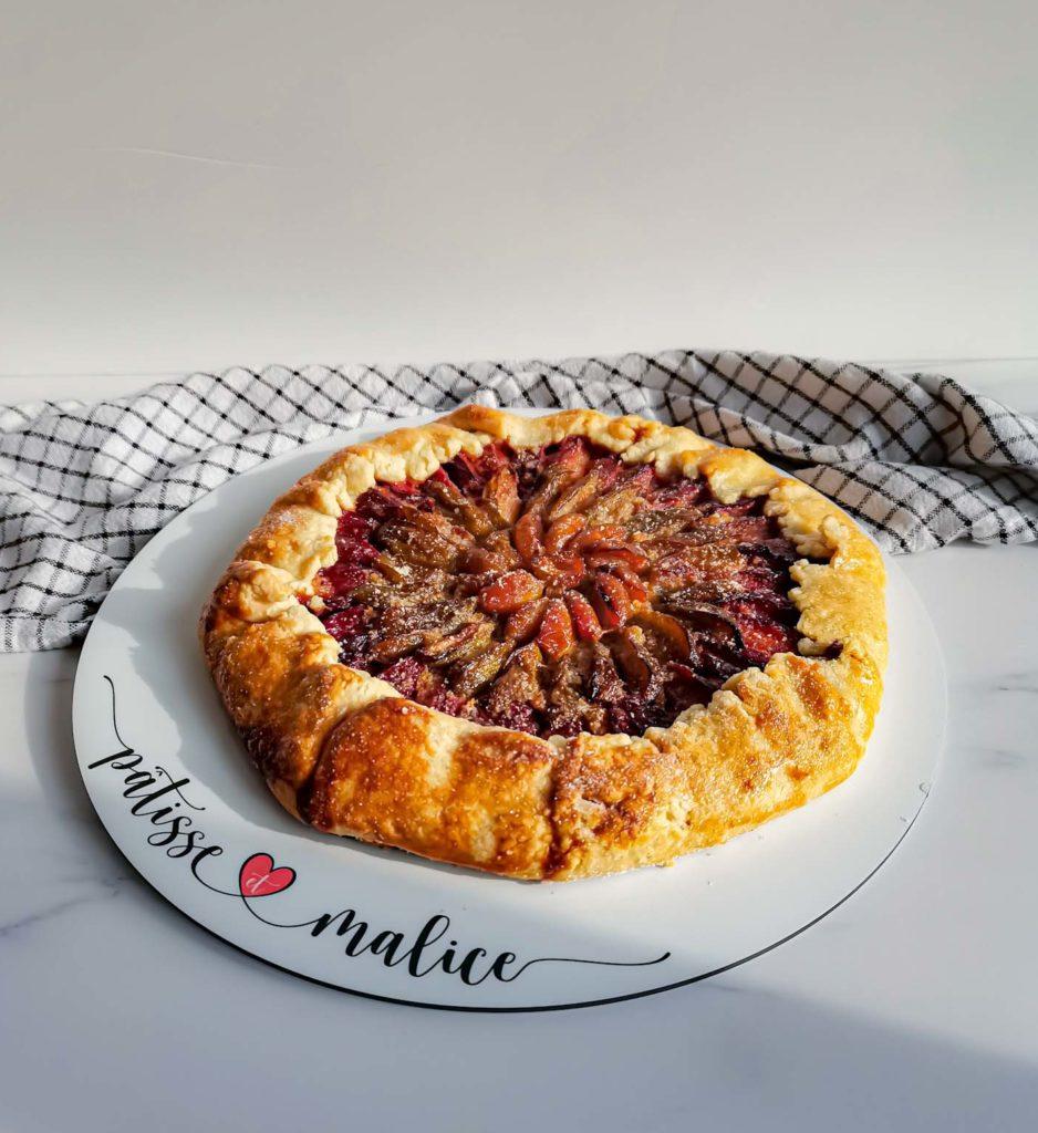tarte rustique prunes - profil - patisse et malice
