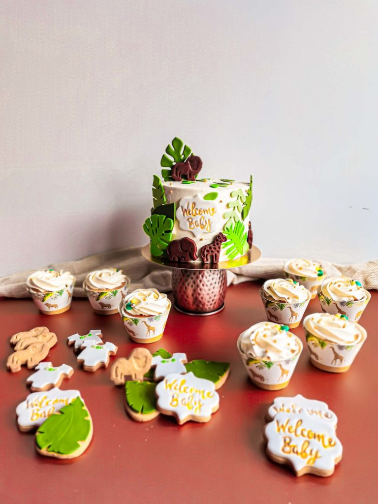 Sweet table baby shower jungle cupcake naked cake sablés - patisse et malice